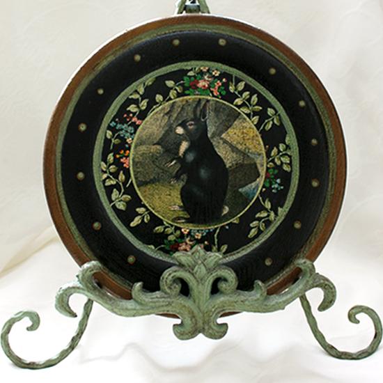 Black Rabbit Round Wood Plate
