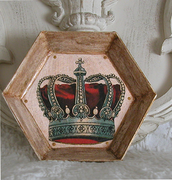 Crown on Ivory Decoupage Paper Mache Plate