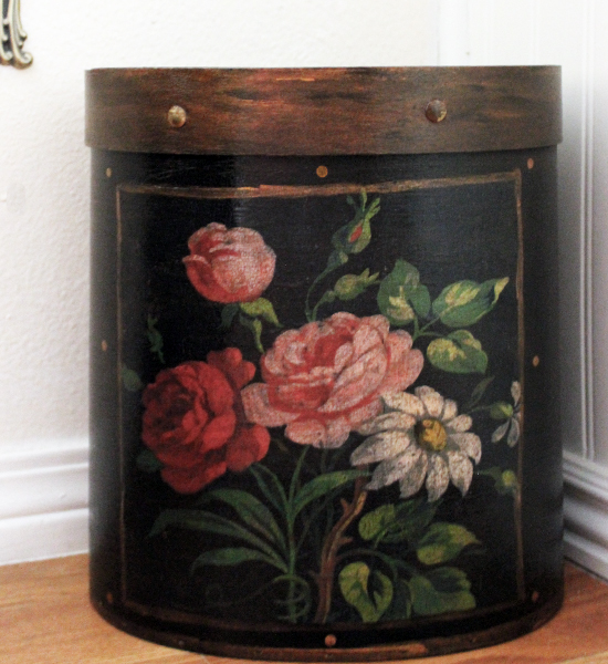 French  Roses Wastepaper Basket Black