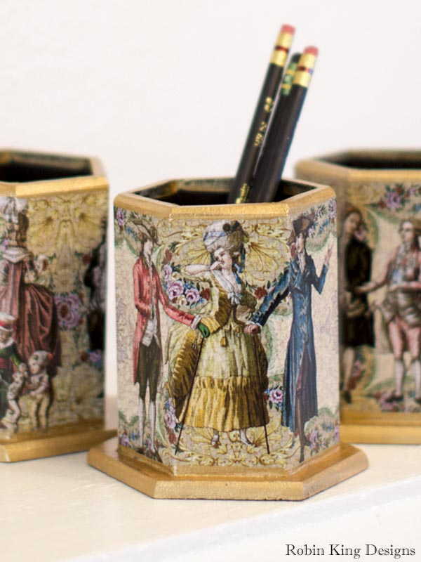18th-Century Fashion Pencil Holder