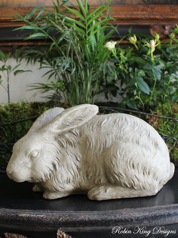 Beautiful Rabbit Statue