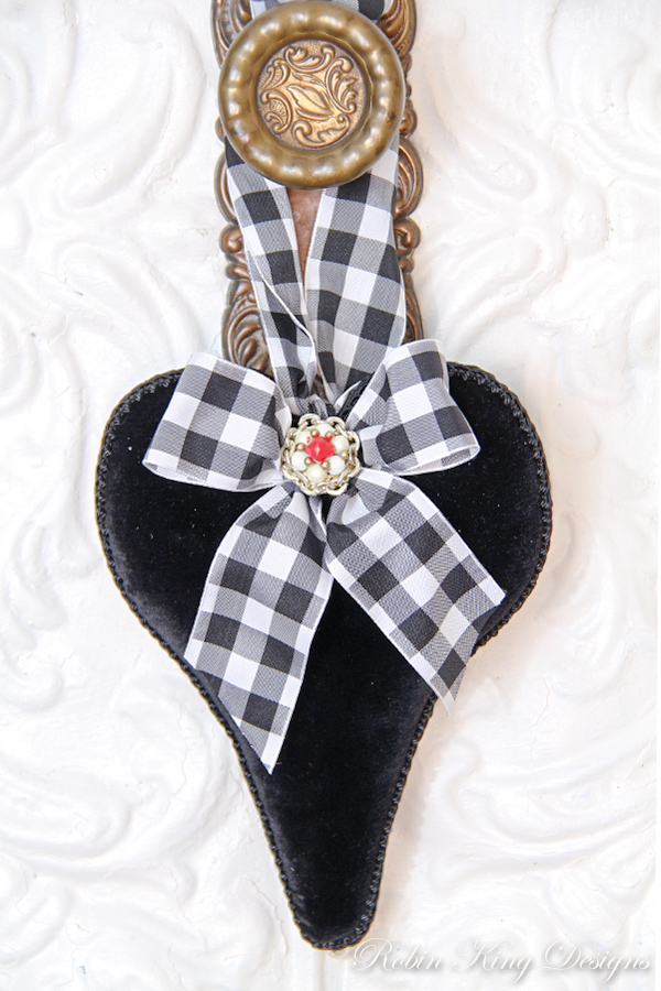 Black Velvet Lavender Heart Sachet
