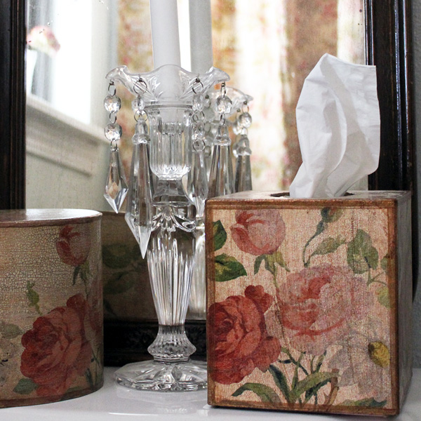French Floral Tissue Box Cover Ivory