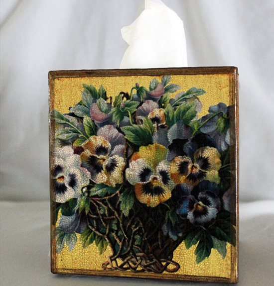 Pansy Tissue Box Cover