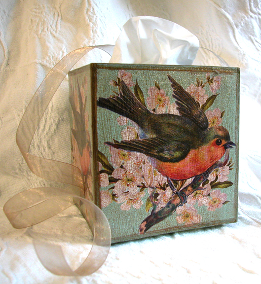 Robin Tissue Box Cover White Flowers