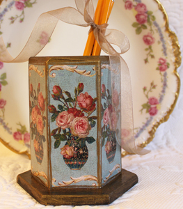 Roses in Vase Pencil Holder