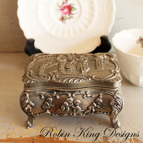 Romanitc Trinket Box